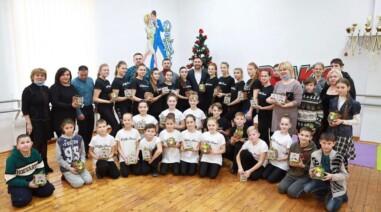 Привітав зі святами зразковий танцювальний колектив «Роял-Денс»