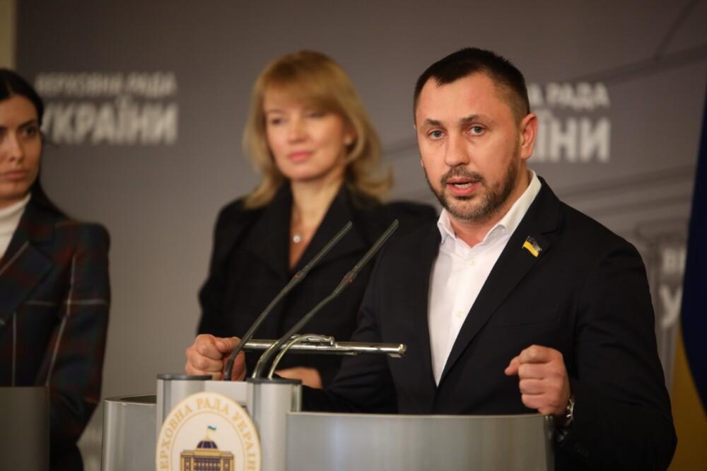 Андрій Стріхарський: «Законопроект захистить простого українця, який вкладає власні зароблені кошти в купівлю квартири»