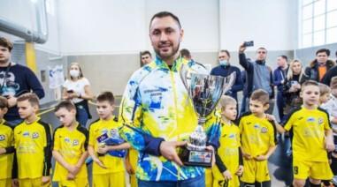 Андрій Стріхарський підтримав юних футболістів