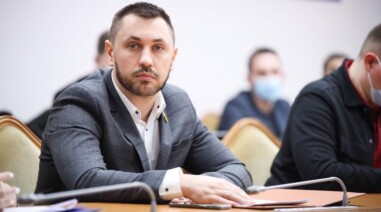 Андрій Стріхарський наполягає на гідному вшануванню пам'яті загиблих захисників України